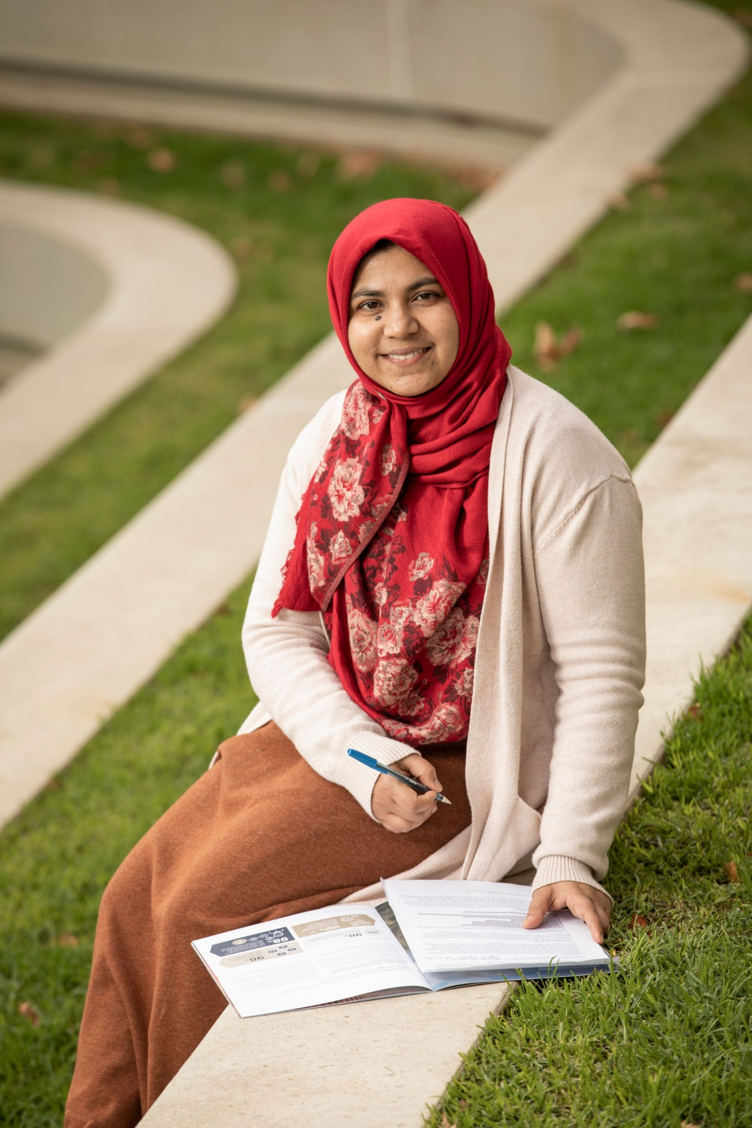 Australia Awards alumna Usha Moosa from the Maldives at the Flinders University campus in South Australia, where she completed a Master of Education (Leadership and Management)
